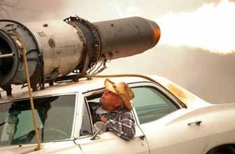 牛人把雪佛兰改导弹车