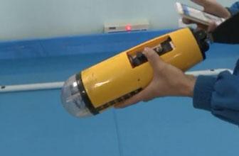 师生研发智能型机器鱼
