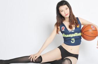 """篮球宝贝逆天""""杂技"""""""